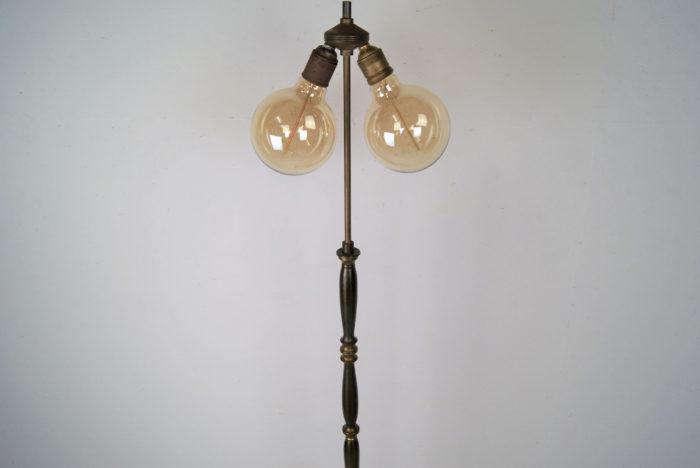 Alte Glocken-Stehlampe